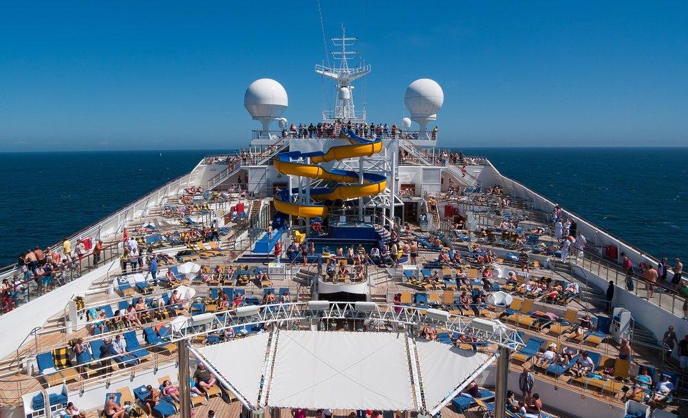topofcruiseboat.jpg