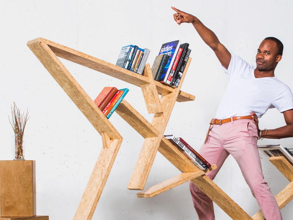 Este es el caso del nuevo proyecto de INDRA. Es un concepto de Bradley Bowers que rompe con la idea del aburrido librero pegado a la pared, INDRA bookshelf interactúa con el ambiente... - Fahrenheit Magazine