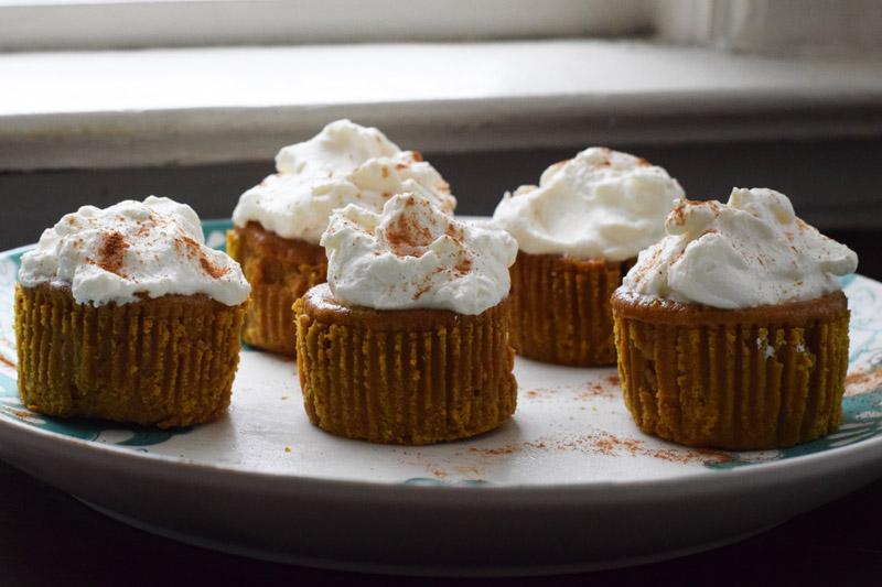 pumpkin pie cupcakes 3.jpg