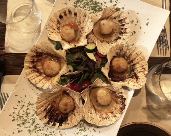 scallops in da shell.jpg