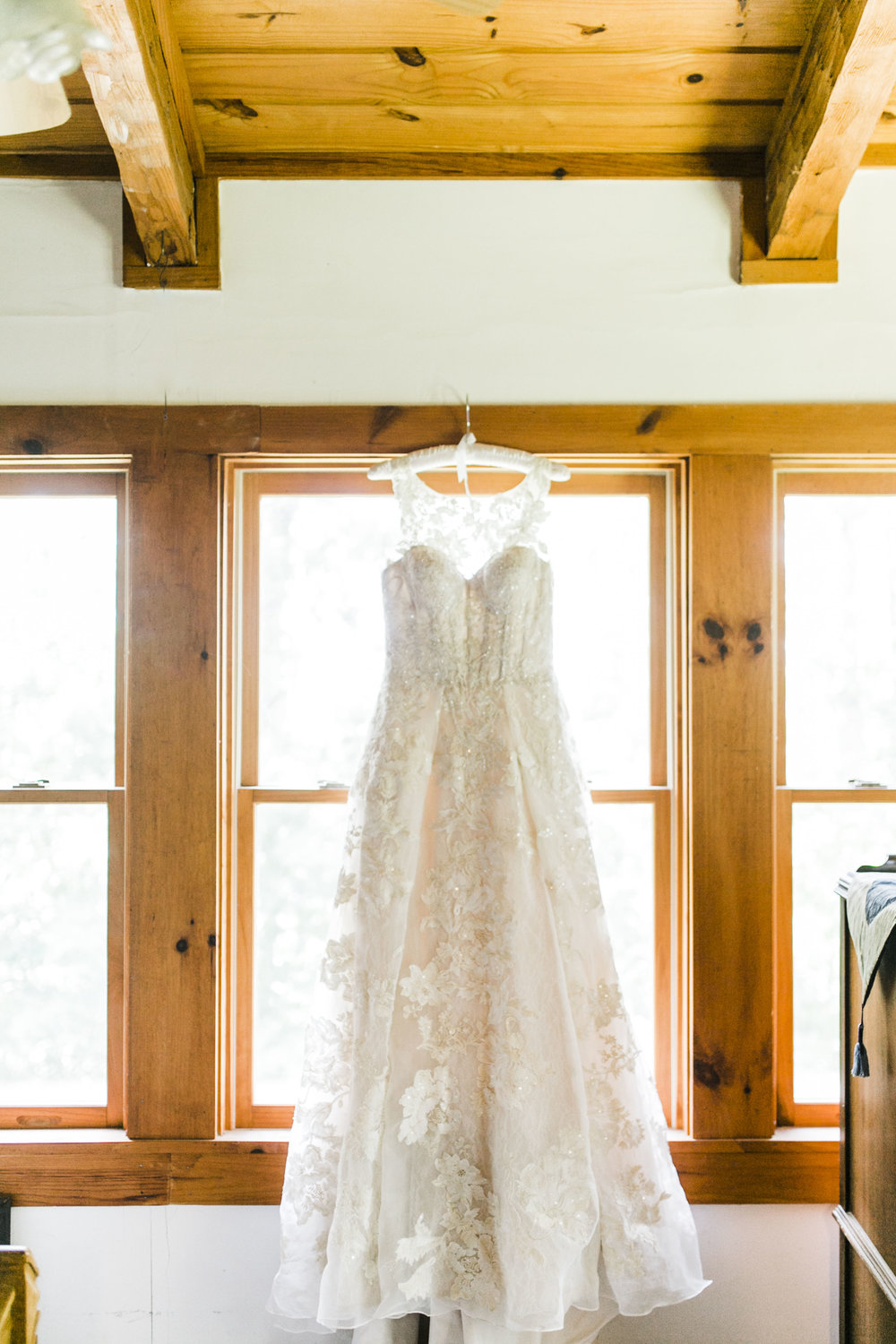 knoxville wedding dress oleg cassini