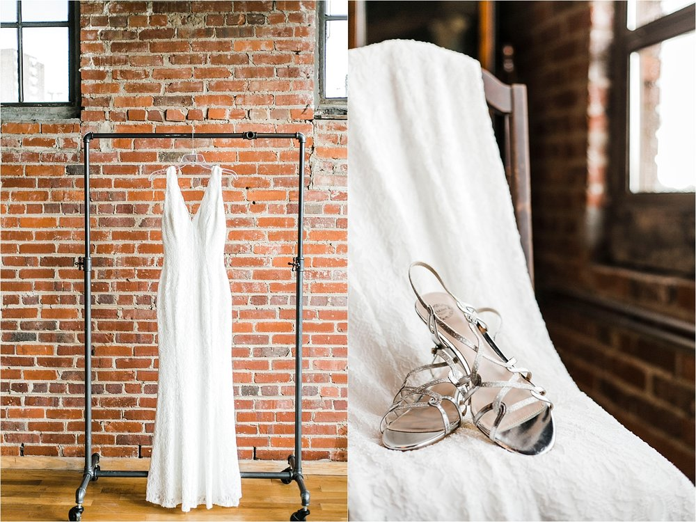 the standard knoxville wedding photographer dress
