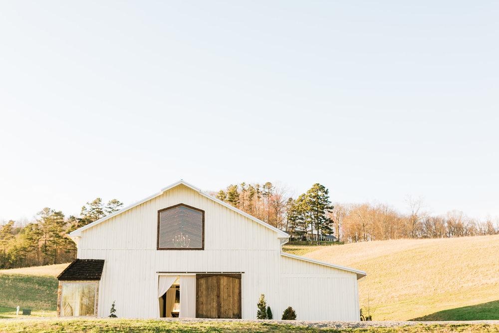 maypop fields barn East Tennessee wedding venue