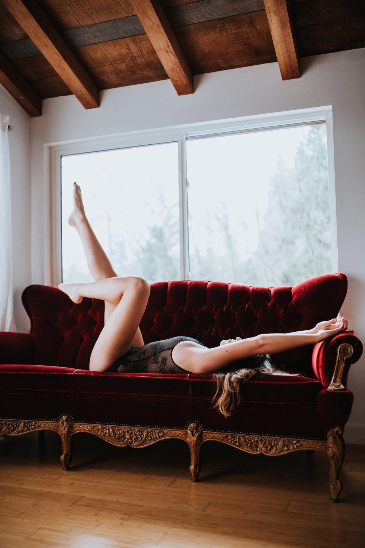 Boudoir-PaulineHoldenPhotography-9928.jpg