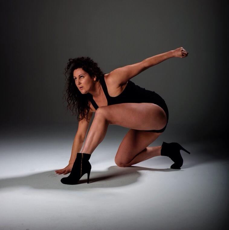 Larissa McGowan, Cher