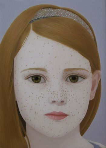 GIRL WITH FRECKLES    OIL ON LINEN | 18 CM X 13 CM