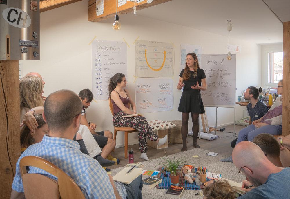 Sidsel holding a Dialogue facilitation training.