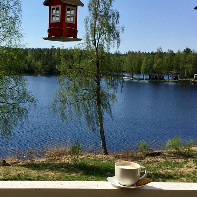 Having a coffee ☕️ and enjoying the view in Northern Sweden. 🇸🇪 #fikatime #enjoyingtheview