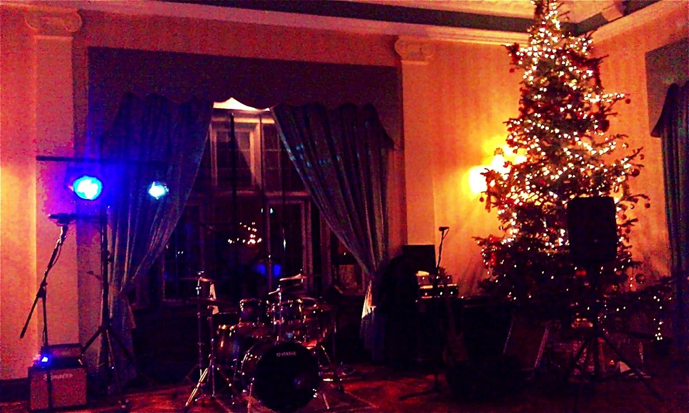 Live Band Wedding Christmas.jpg