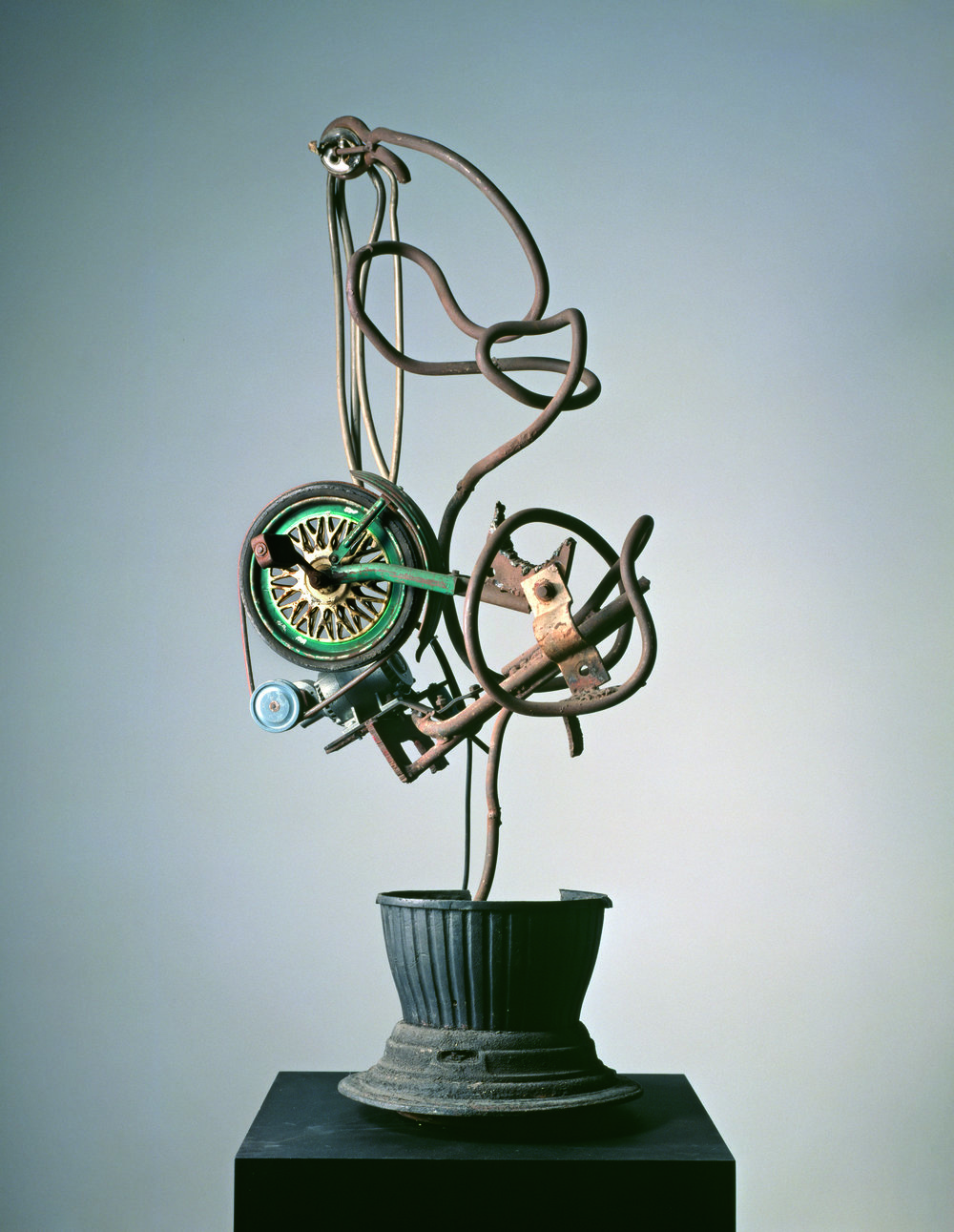 Jean_Tinguely_Suzuki_(Hiroshima)_1963_Museum_Tinguely.jpg