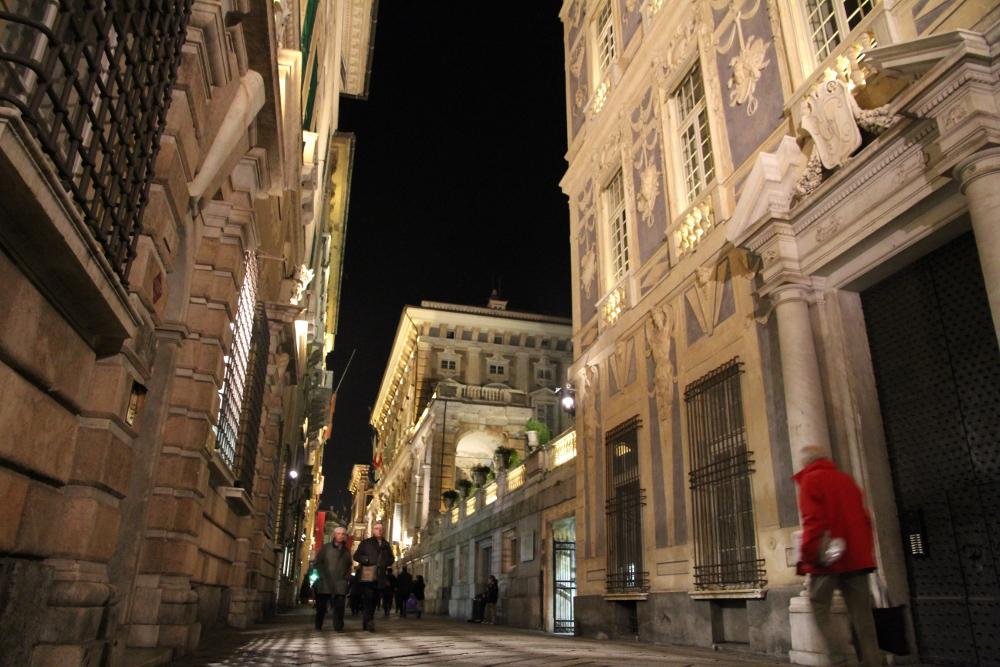 Via Garibaldi, già Strada Nuova.