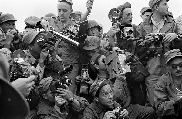 SOUTH KOREA. Kaesong. 1952. International Press photographers covering the Korean War.