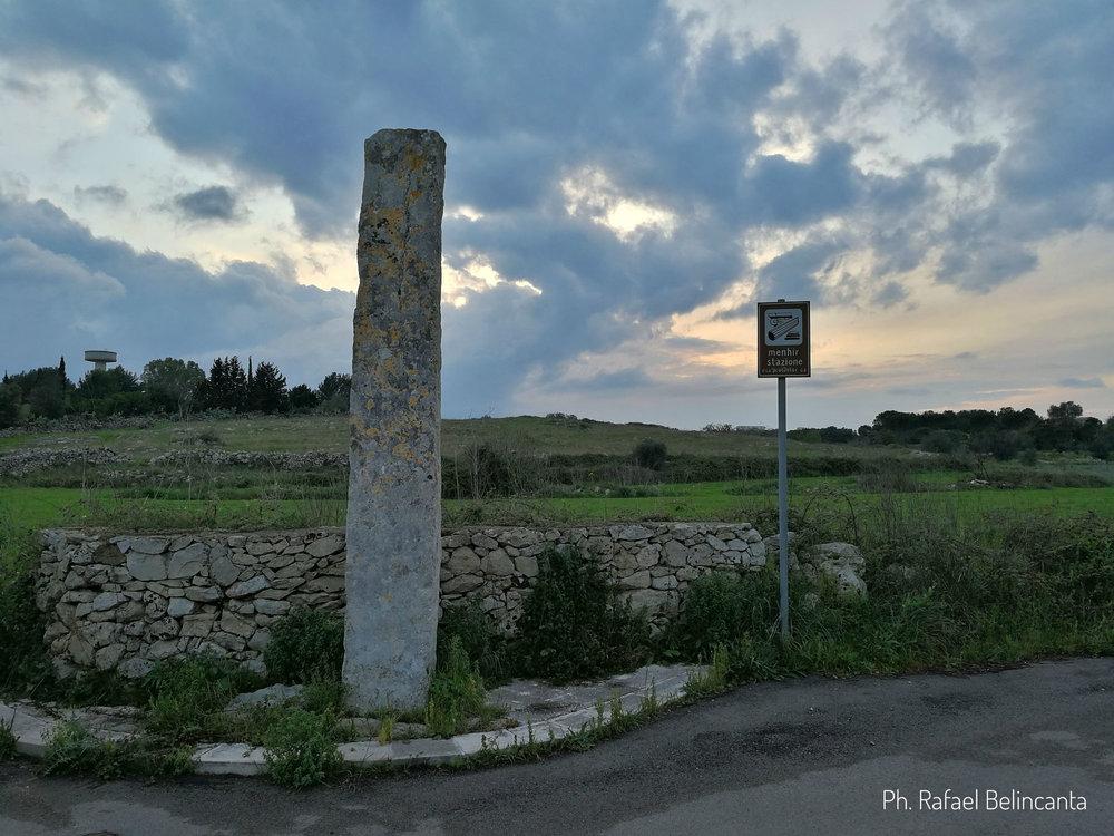 Menhir della stazione a Zollino