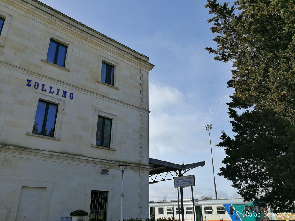 Il palazzo della stazione di treno di Zollino