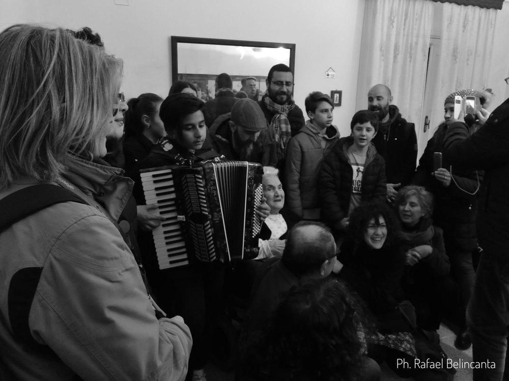 I canti della Passione all'interno delle case