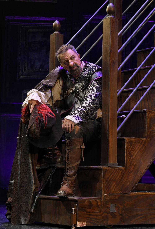 Luca Barbareschi in Cyrano - Foto di Bepi Caroli DSC_0448 Media OK.JPG