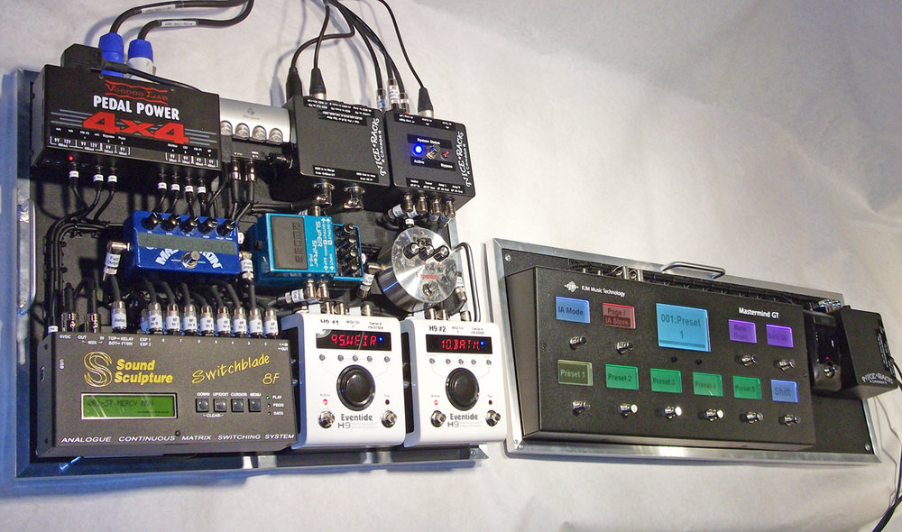 StVincent_Pedalboard_2014_Double_01.jpg