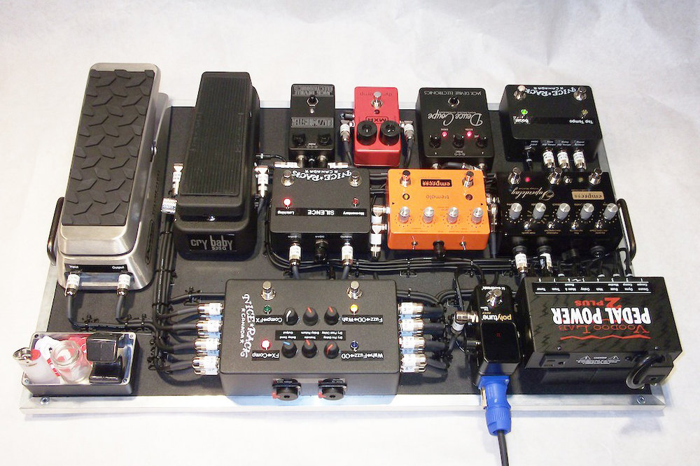 Series_&_Parallel_Wired_Line_Mixer_Pedalboard_Empress_Effects_Jack_Deville_Electronics_Dunlop_MXR_Voodoo_Lab_03.JPG