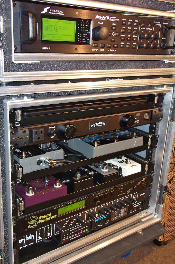 Switchblade_Guitar_Rig_09.jpg
