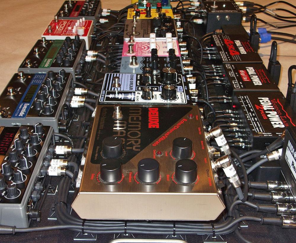 Hurdy_Gurdy_MIDI_Pedalboard_Effects_04.JPG