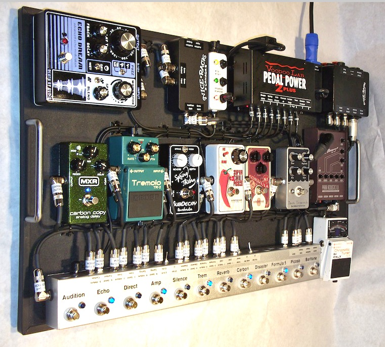 Dallas_Green_Pedalboard_City_and_Colour_2013_05.JPG