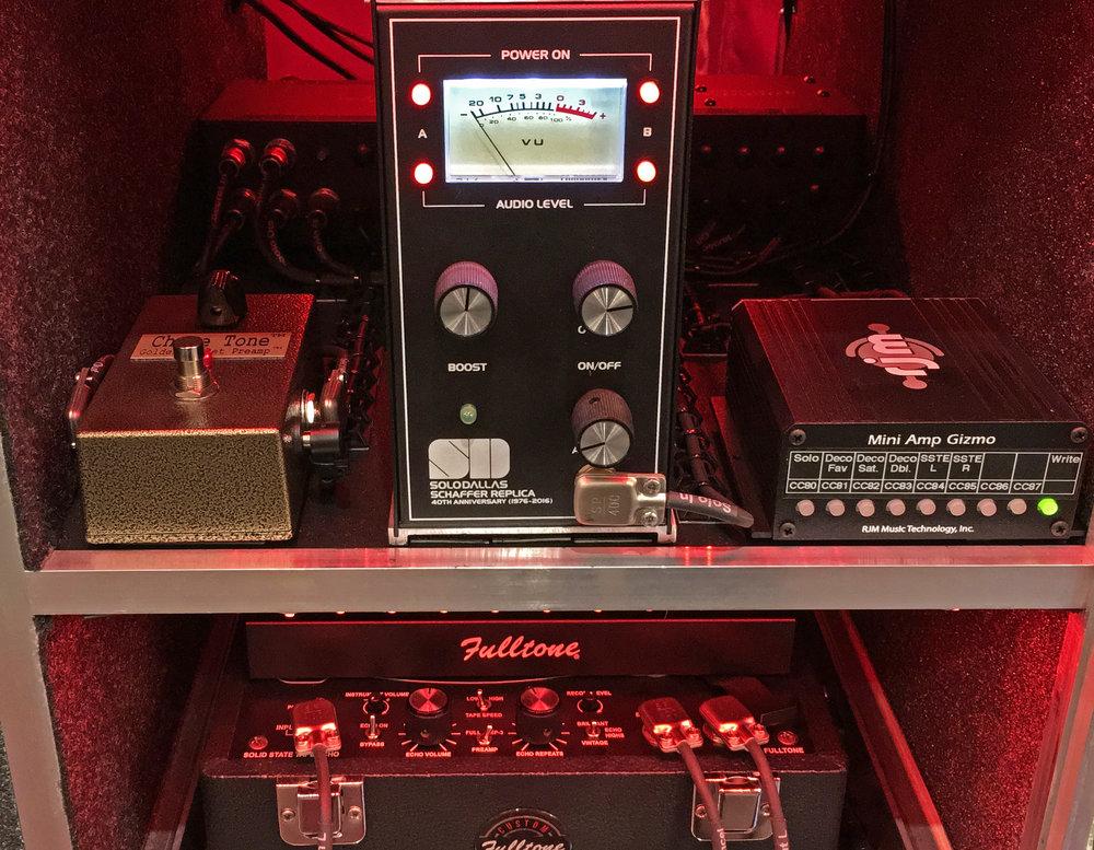 Old Fart Guitar Rack System Right Side.jpg