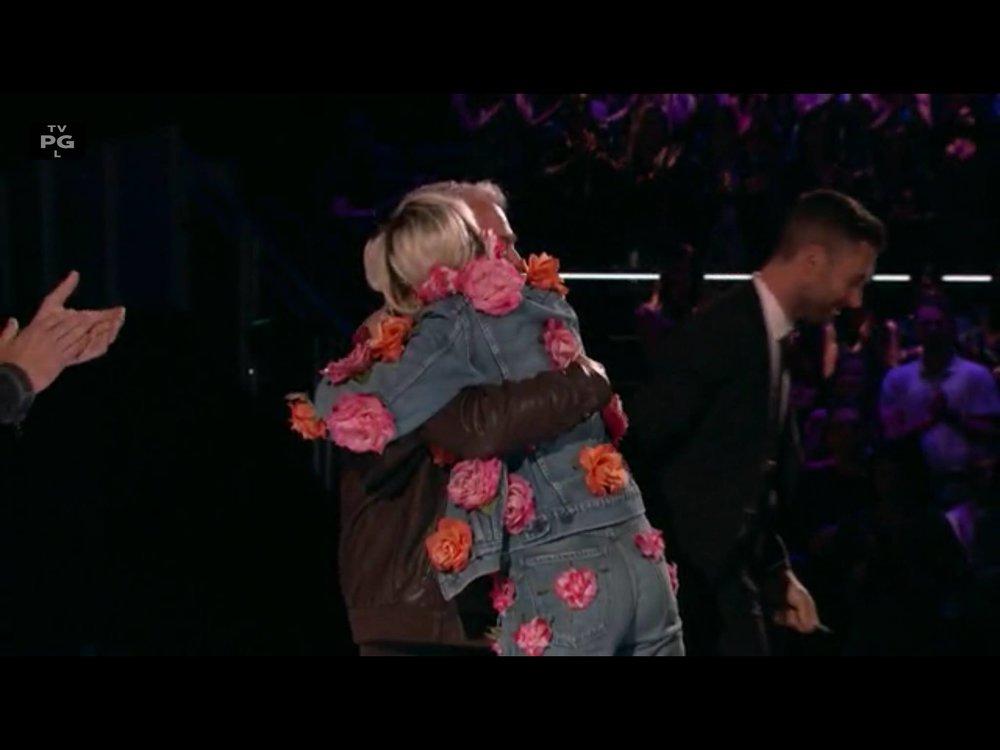Miley Cyrus & Dan