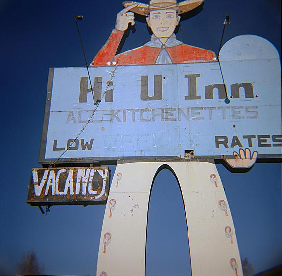 Hi U Inn - web.jpg