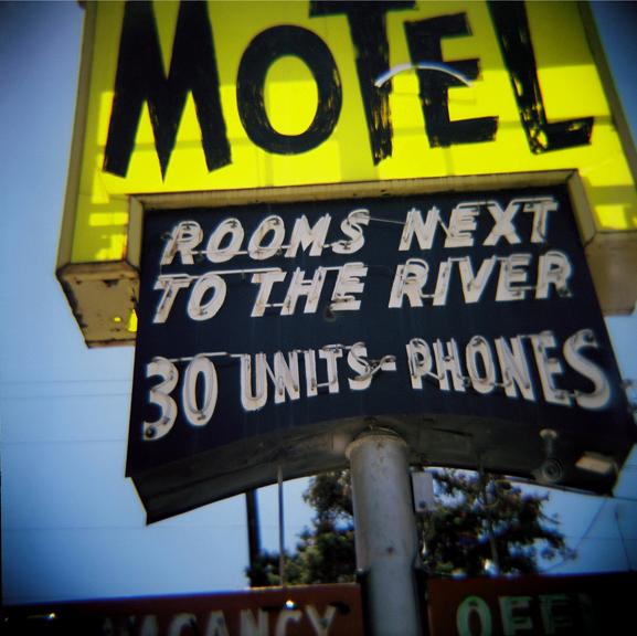 Motel, 6_40 front - web.jpg