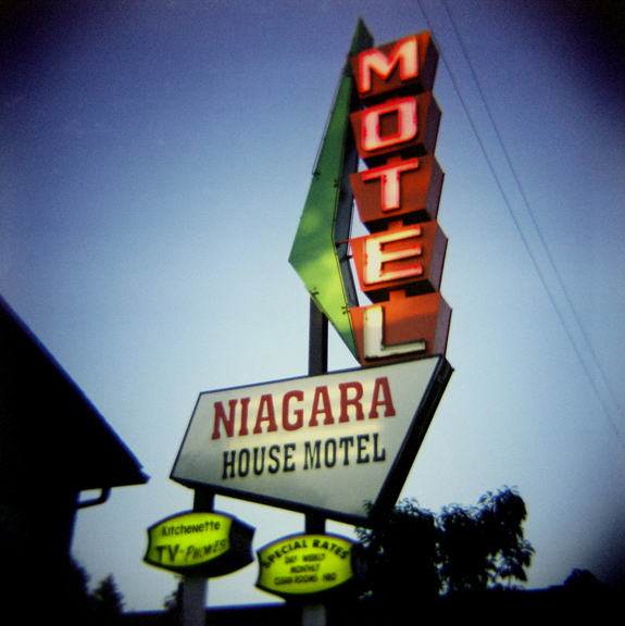 Niagara House Motel -web.jpg