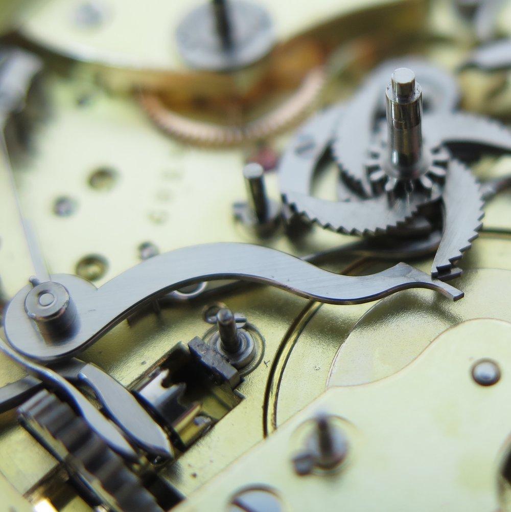 Surprise piece actuating lever