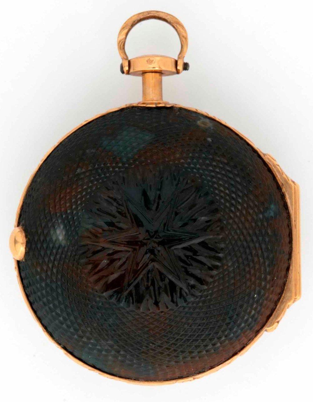 Pocket watch with Turtle shell guilloché ©  Musée international d'horlogerie de La Chaux-de-Fonds.