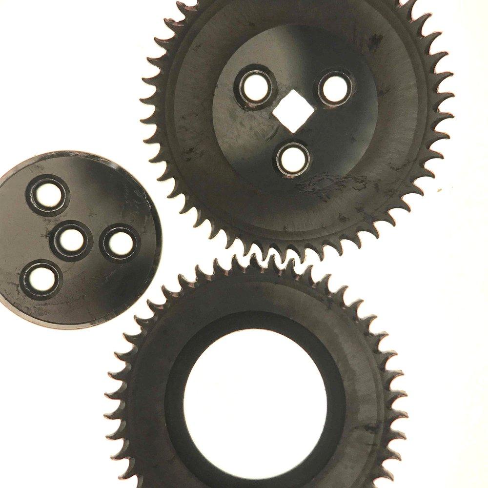 Ratchet wheel and upper crown wheel