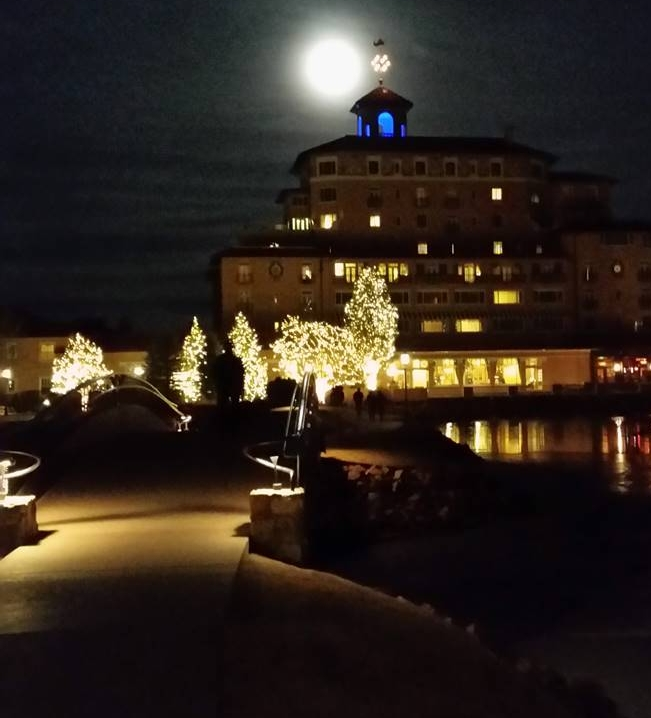 The Broadmoor at night