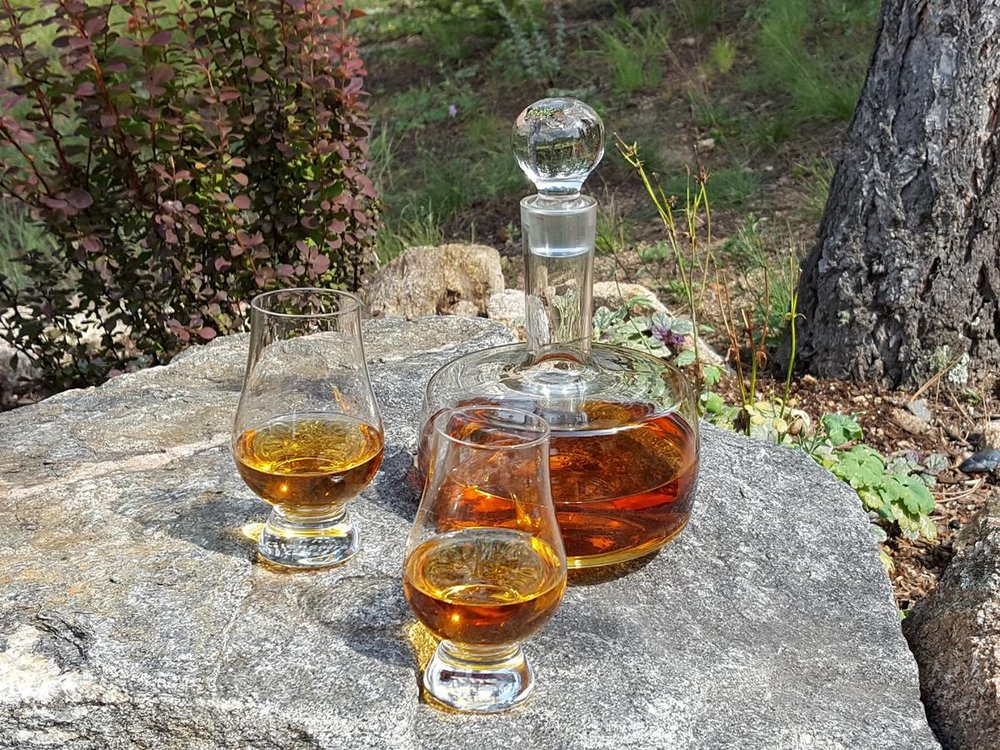 glencairn-glasses-decanter-1200x900.jpg