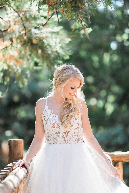 Jenna Joseph Photography  jennaphoto.com | Dress: Mon Amie Bridal