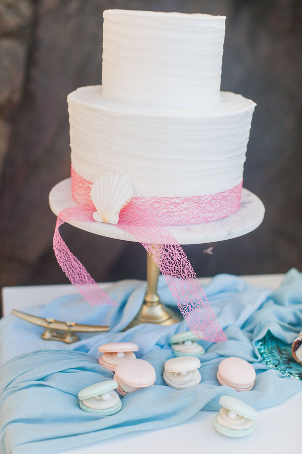 beach wedding cake.jpg