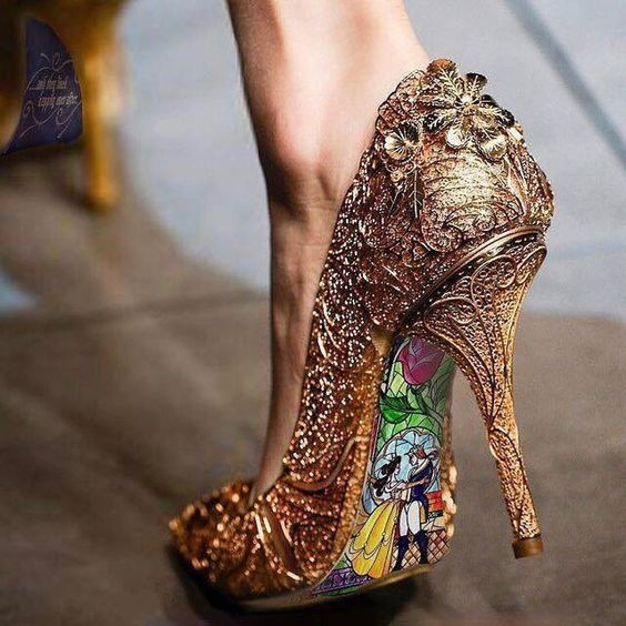 How amazing are these shoes?! We are IN LOVE!