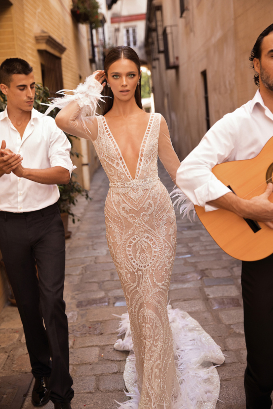 World-Exclusive-The-Sparkling-Berta-Fall-2018-Seville-Collection-50-1-555x832.jpg