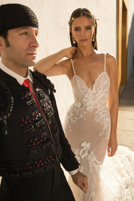 World-Exclusive-The-Sparkling-Berta-Fall-2018-Seville-Collection-55-1-555x832.jpg