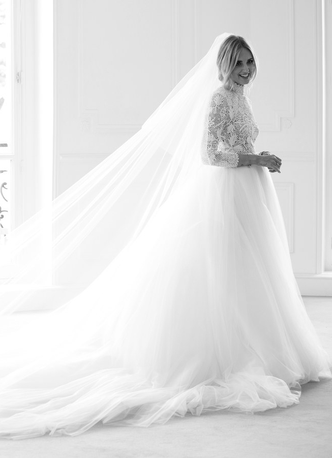DIOR_CHIARA_FERRAGNI_FITTINGS_WEDDING_%20%C2%A9%20SOPHIE%20CARRE_2.jpg