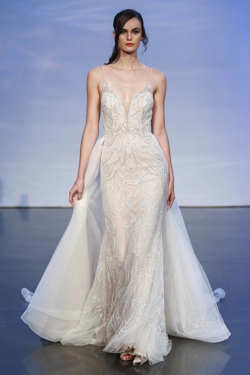 justin-alexander-wedding-dresses-fall-2019-012.jpg