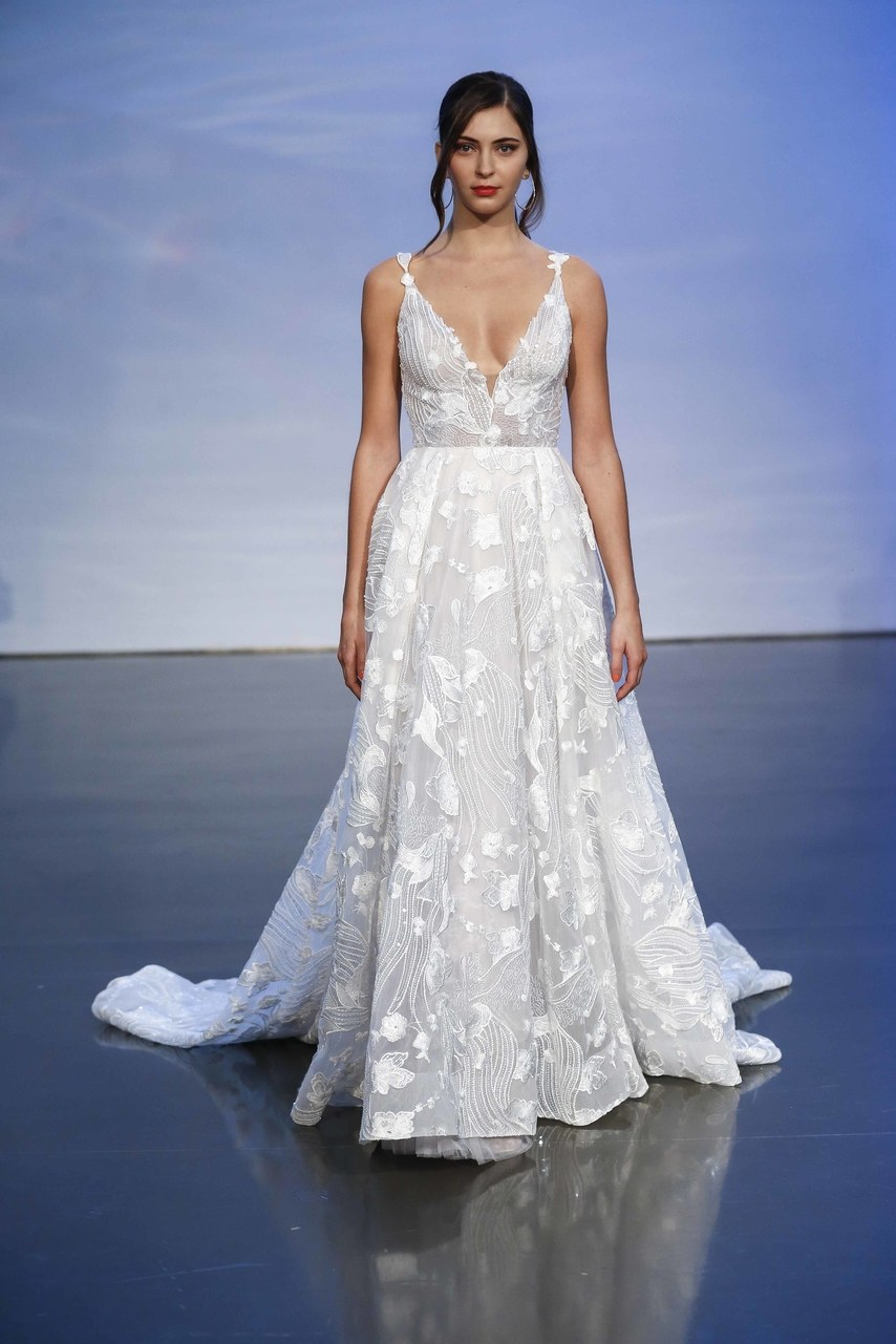 justin-alexander-wedding-dresses-fall-2019-018.jpg