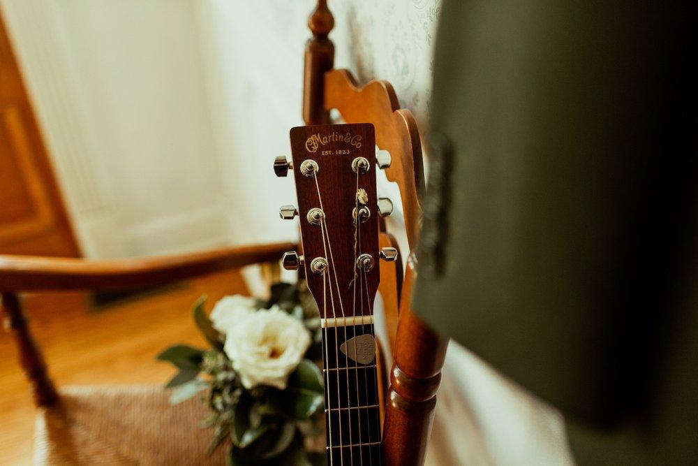 grooms guitar at nashville airbnb wedding