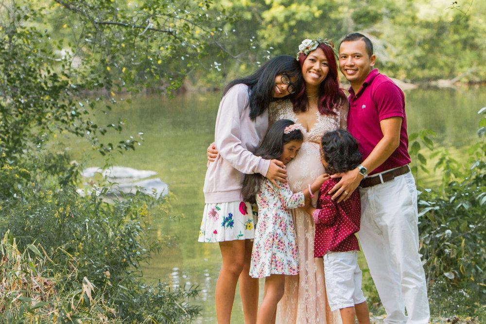 Chhoeun Maternity Maine Family Photographer