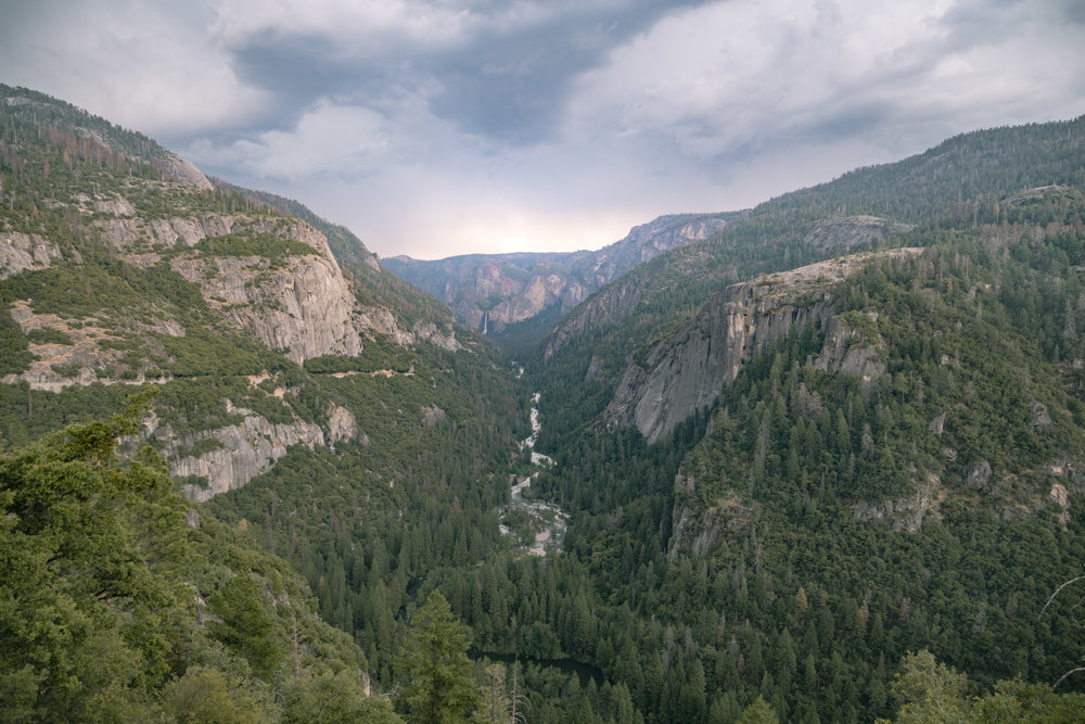 Tunnel View, grand entrance to Yosemite from the West