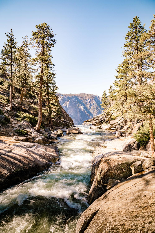 En route to Yosemite Point