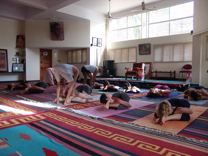yoga-nidrāsana