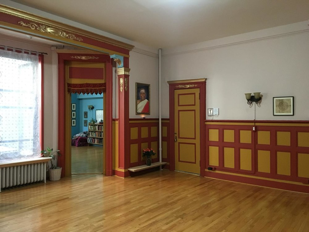 Ashtanga Yoga Upper West Side Photo by Liana Ross