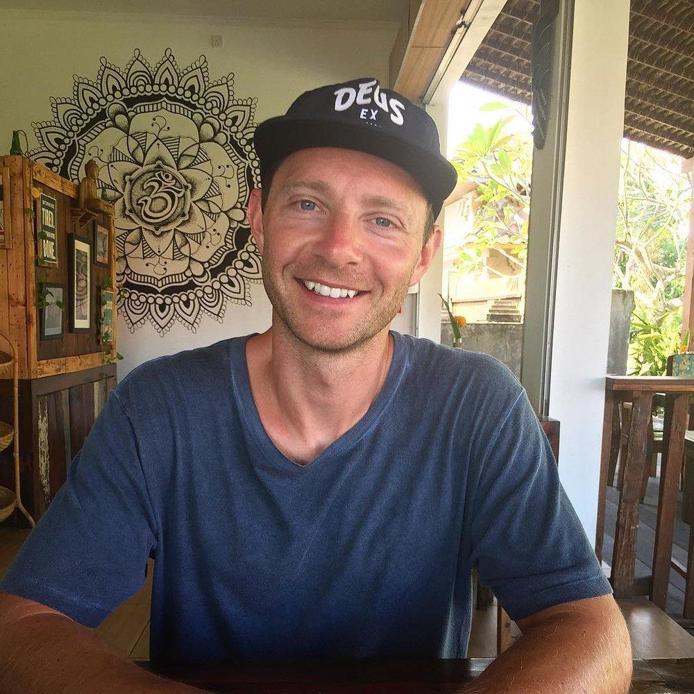 Alistair Nicol : Social Media Strategist